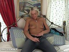 Amateur, Masturbation, MILF, Softcore